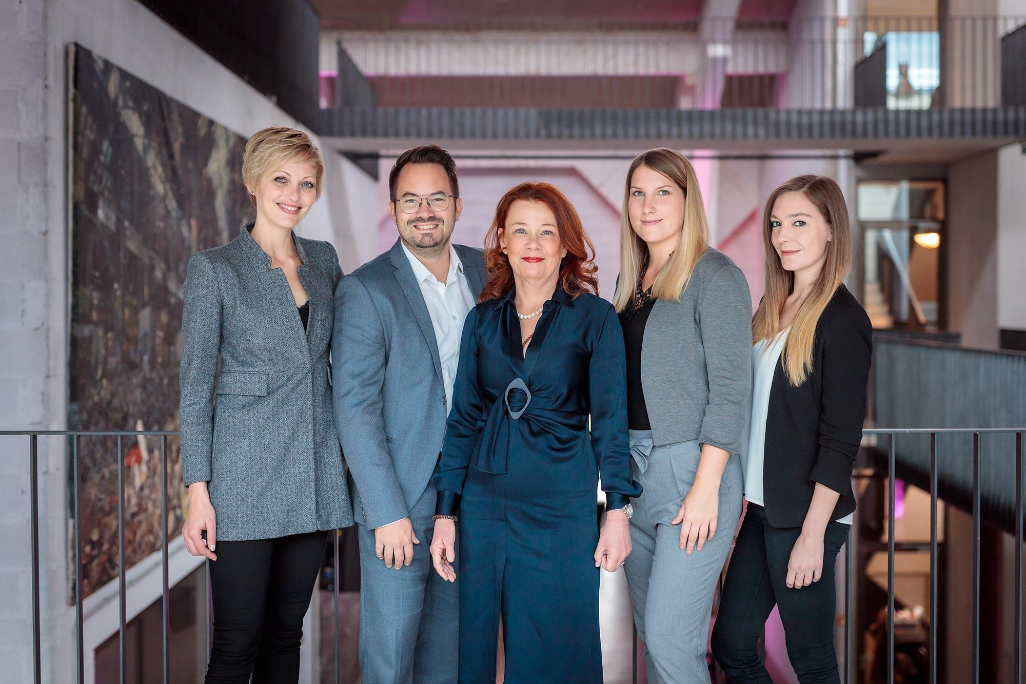 Iventa Salzburg / Teamfoto / Businessportrait, Fotograf Salzburg, Christian Streili Photography